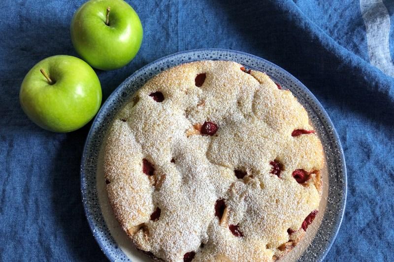 Apple Berry Cake