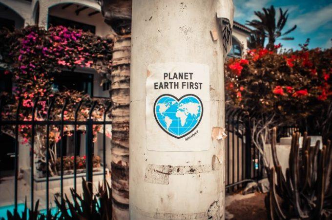 cara membuat poster, poster bumi