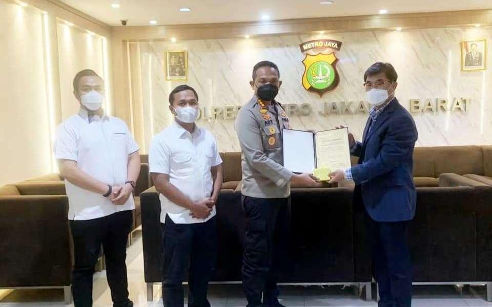 Respon cepat Polres Metro Jakarta Barat menanggapi laporan kehilangan anak Korea Selatan mendapat apresiasi dari negeri penghasil ginseng.