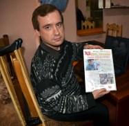 Vasilievka - Sergej macht die Zeitung