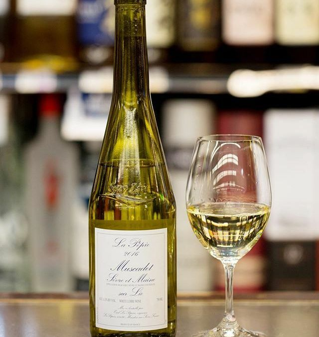 Calandro's has started a #wineofthemonth feature and here's your first installment !! Keep reading below…