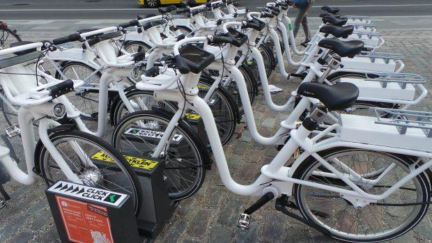parcare cu biciclete ale primariei