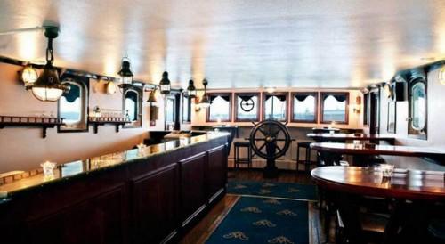 Malardrottningen-Yacht-Hotel-bar