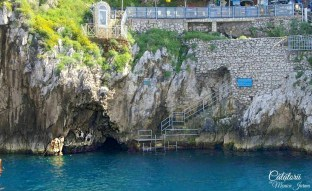 Grotta Azzurra. The Blue Grotto. Grota Albastra