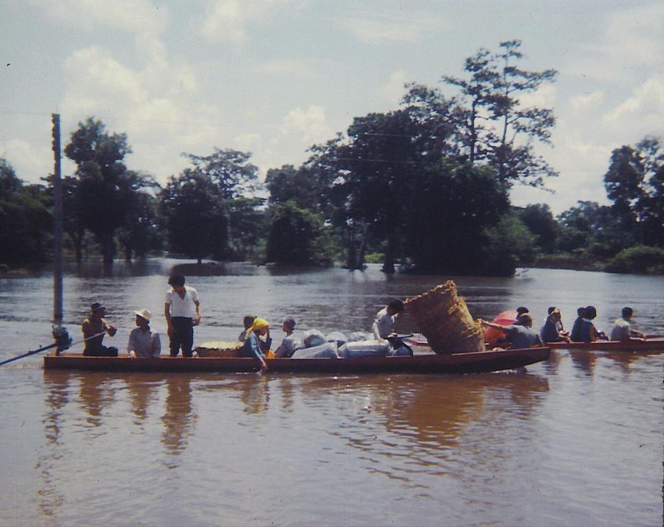 nam-suai-flood-2.jpg