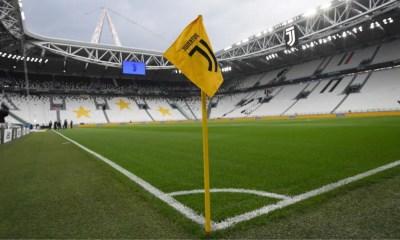 bandierina calcio d'angolo Juventus Stadium