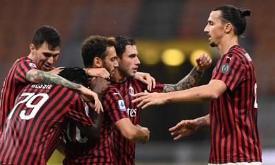 esultanza gol Hakan Calhanoglu Ibrahimovic Milan