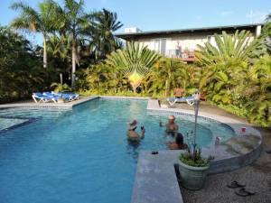 DSCN0368 pool at Almond Treet Hotel