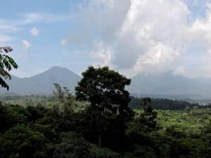 DSCN3625 more volcanoes