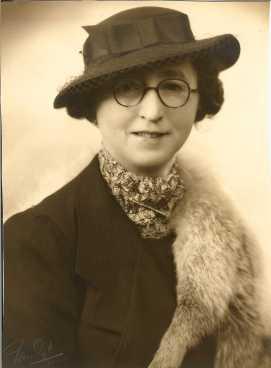 Annie Louise Johnstone b1890
