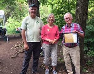 David Weicker receiving the 2016 Barry Westhouse Award