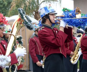 El Centro Christmas Parade Sticks to Tradition to Thrill Onlookers