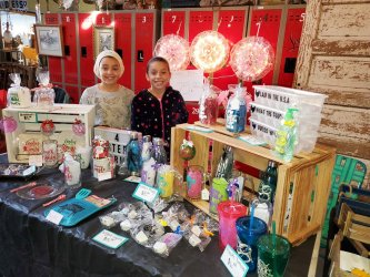 Local Craft Vendors Create Market for Their Works