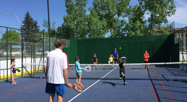 Bill Stamile teaches kids padel