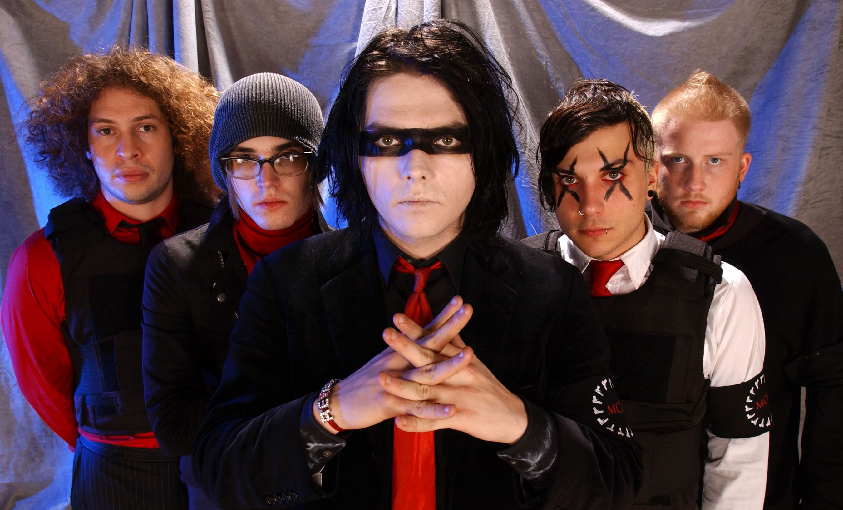 Fall Out Boy Computer Wallpaper My Chemical Romance S Three Cheers For Sweet Revenge Re