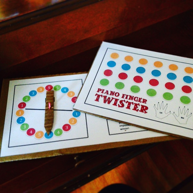 Piano Finger Twister Game