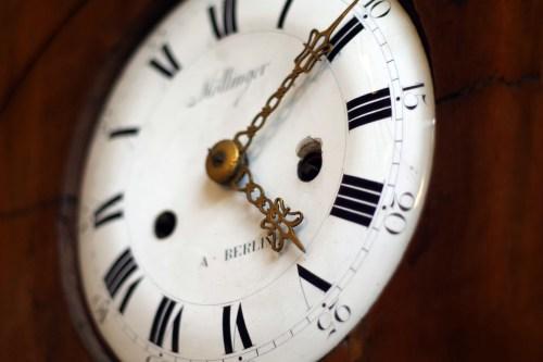clock-1528796_1920