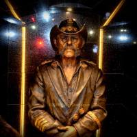 LEMMY Memorial Statue Unveil at The Rainbow Bar and Grill and Interview With Travis Moore
