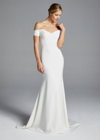 Sleek and Simple: Minimal Wedding Dresses that Make a ...