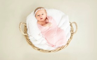naissance bébé fille couffin