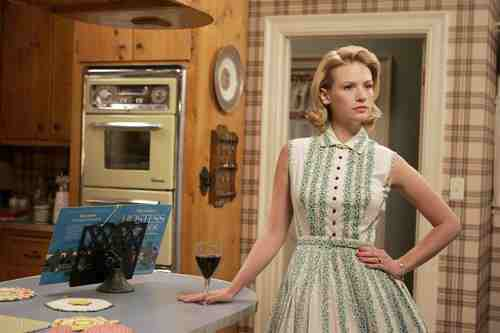 """Mad (wo)Men: The Complexity of Womanhood in """"Mad Men"""" 25"""