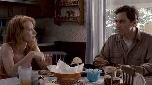 Michael Shannon and Jessica Chastain in Take Shelter