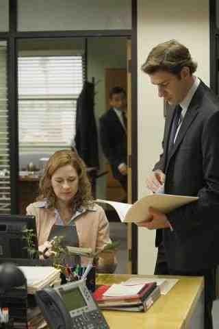 Jenna Fischer as Pam and John Krasinski as Jim on The Office