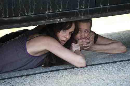 The Walking Dead Lori and Carol S02E01