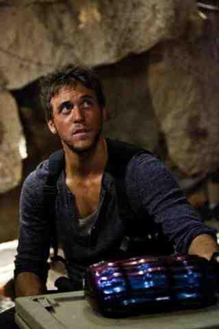 Ashley Zukerman as Lucas in Terra Nova Within