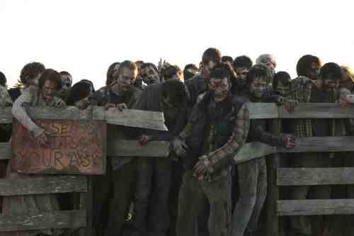 Walking Dead S03E13 walker herd