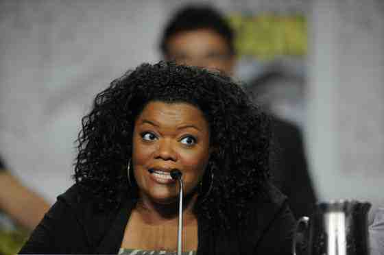 Interview: Yvette Nicole Brown Discusses Community and Her Positive Outlook 7