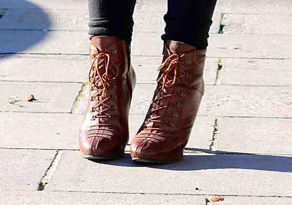 CLR Street Fashion: Cecil shoes