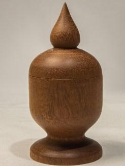 mahogany_pedestal_box_closed