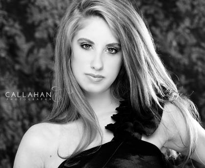black and white senior pictures