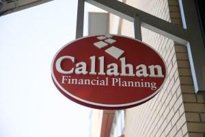 Callahan sign
