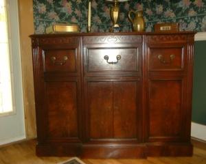 The Magnavox Windsor  Callaway Clock and Antique Radio