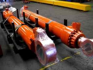 Hitachi Hydraulic cylinders in frames
