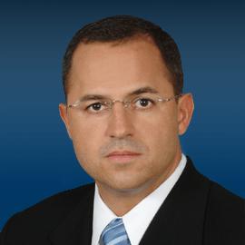 gomez sq - Marcelo Gomez, personal injury attorney
