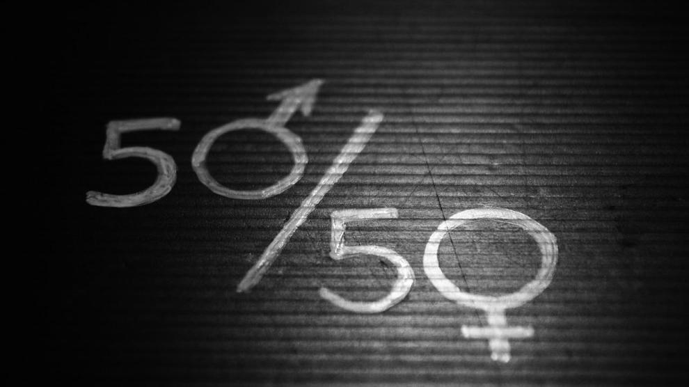 women 2196594 1280 - Women in Florida Face a Pay Gap of 13%, Ranks Third Nationally in Gender Pay Equity