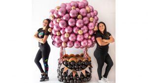 DG hot air balloon 300x168 - Con Decoraciones Globos pueden asegurarse de hacer su próximo evento genial