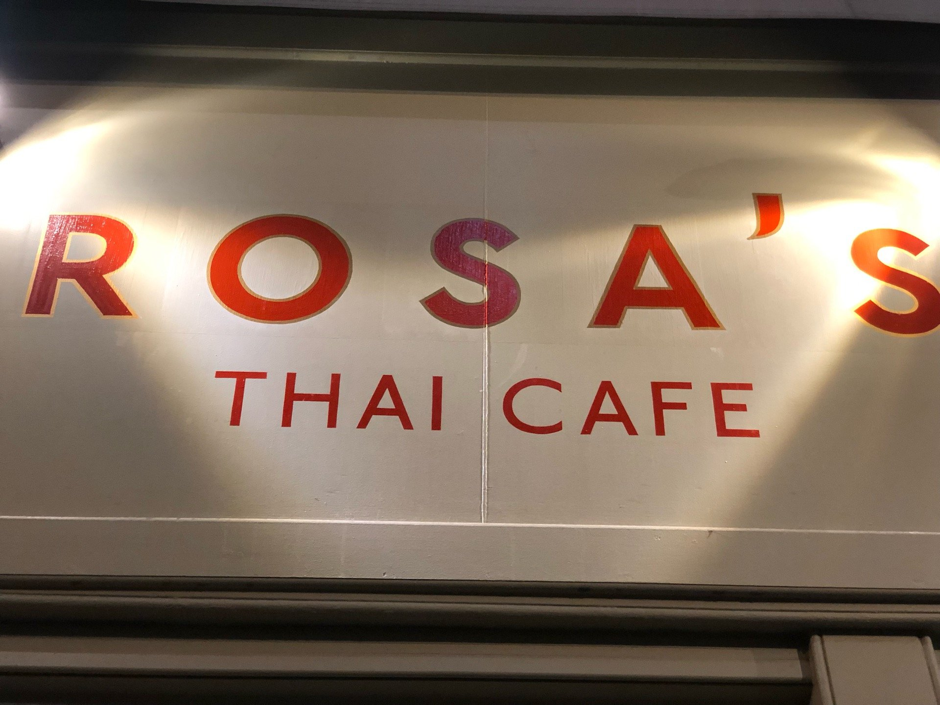 I'm at @RosasThaiCafe in London,…