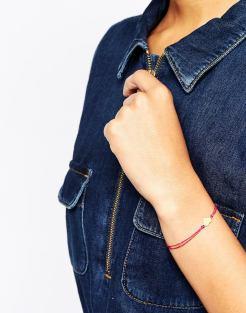 Bracelet en lin magenta, cœur plaqué or, Dogeared, 55,99 euros