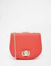 Mini-sacoche bandoulière, Asos, 10,99 euros