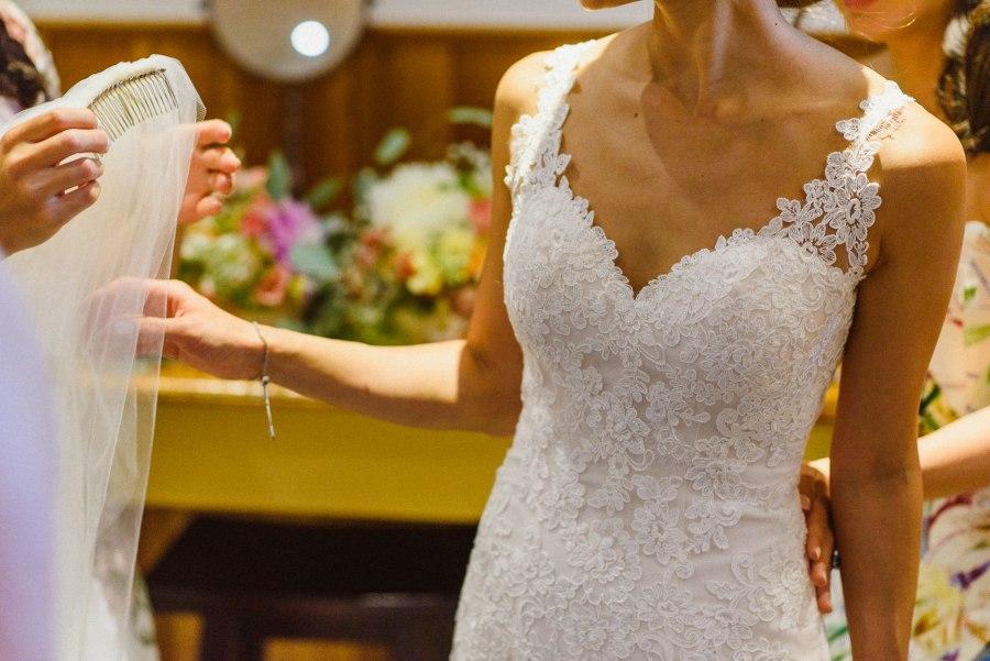 bride prep for Pheasent Run Golf Course Wedding