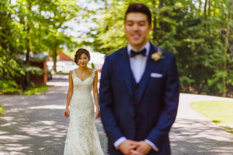 first look at Pheasent Run Golf Course Wedding