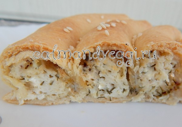 Пирог улитка с творогом и зеленью - рецепт