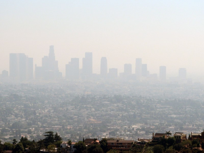 A haze of smog blankets Los Angeles. Photo by Ben Amstutz via Flickr