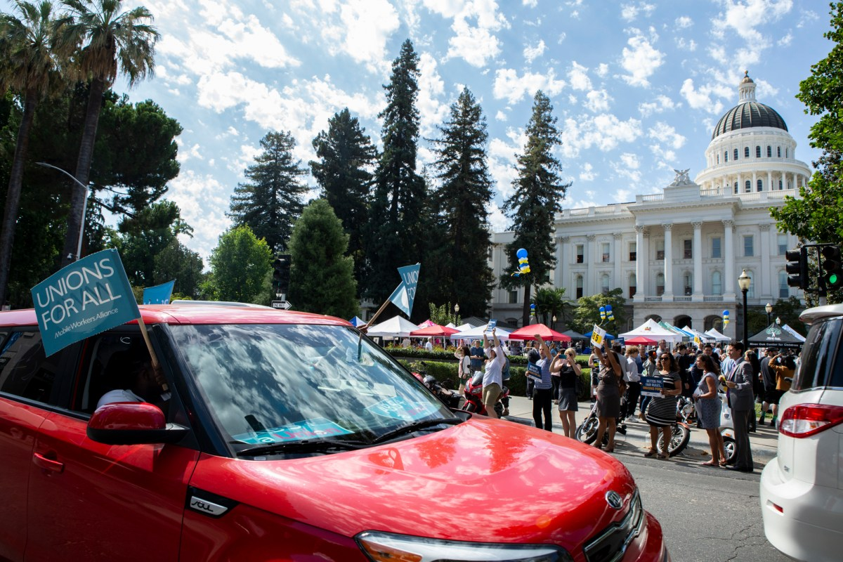 What Happens To Uber And Lyft Drivers Once Ab 5 Passes Calmatters