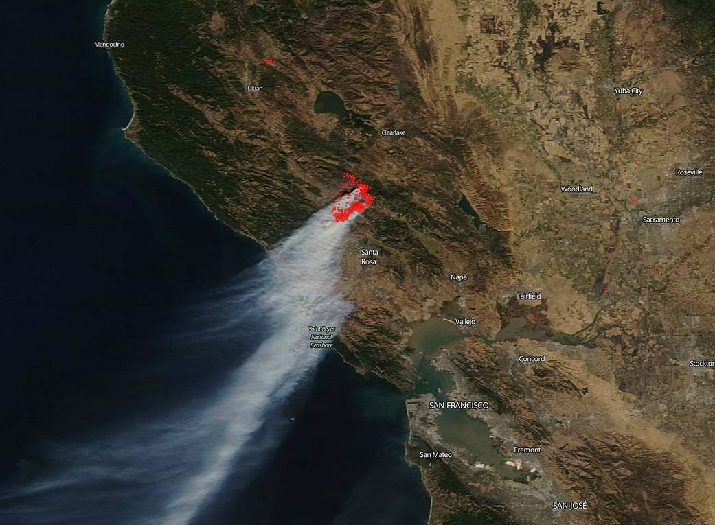 A view of the Kincade Fire in Sonoma County collected by the Terra satellite on Oct. 27, 2019. Image: NASA Worldview, Earth Observing System Data and Information System (EOSDIS).