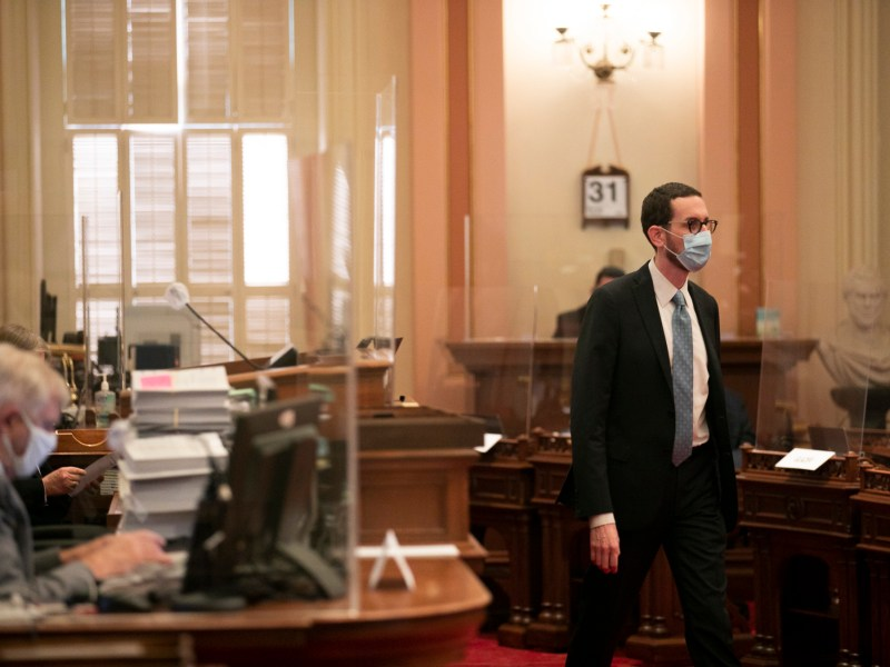 Sen. Scott Wiener on the Senate floor on the last day of the legislative session on Aug. 31, 2020. Photo by Anne Wernikoff for CalMatters
